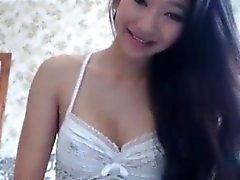 Impresionante webcam adolescente asiática masturba el exterior
