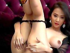 Garota japonesa bonita que