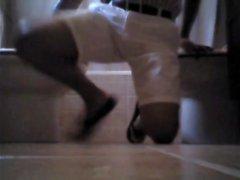 Reinigung meiner hellen Hose mit Waschmittel, Urin und Wasser