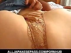 Tomomi Kobayashi tiene hambre de un pene duro