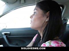 SisLovesMe - Stepsis suger min kuk för BlackFriday