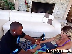 Yoga babe sucks black rod