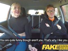 Fake Driving School lektion slutar spruta orgasm och creampie