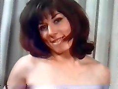 Mulheres bonitas retros com enormes peitos naturais !