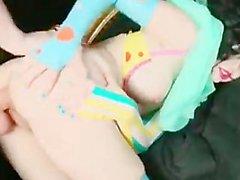 Кудрявый & милый клоун кукол Определяет анальную Pleased