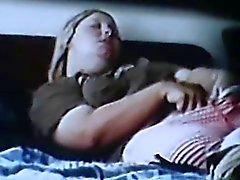 spycam espiaba rubia de Rubing clitoris sacudir el orgasmo