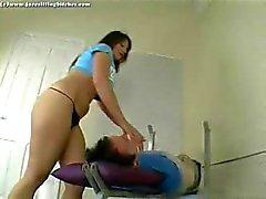 Hot brunette demonstrates how to do facesitting