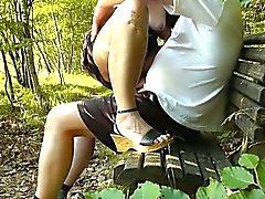 Cancaneo la esposa follan por desconocidos el parque