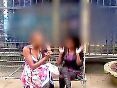 Afrikanischer Amateur Laschen chunky lesbische Freundin im Dusch