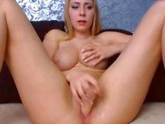 Blond große natiral Brüste runder Arsch enge rosa Pussy finger