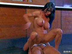 Tanned busty whore Jewels gets demolished in bar