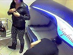 Curioso Solárium Chicas - desvestirse Nude cámaras escondida