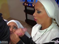 Jessica Jaymes - Mick scopa Jessica e Nikki nella chiesa