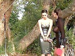 BDSM de bewitching nena disfrutando de todas las cosas fetish