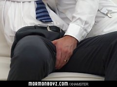 Zencefil alt tutkuyla yaşlı rahip tarafından çiğ becerdin