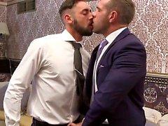 Muskel gay flip flop och cumshot