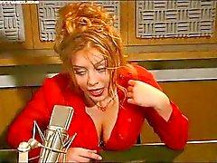 Krystal De Delahaye deixa rádio quente