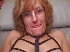 Aikuinen amatööri vaimo antaa pään cumshot
