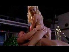 Çarpıcı sarışın Carmen Luvana tutkuyla sevgilisinin sert Dick sürmek