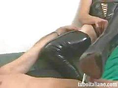 Наташи Поцелуй inculata итальянской анальный