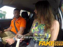 Fake Driving School Ava Austen obtiene cum-pensatio