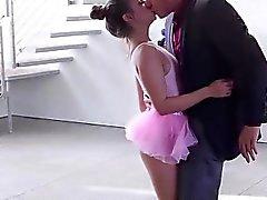 Curta e bonito de Cassidy de Klein recebe seu bichano batido
