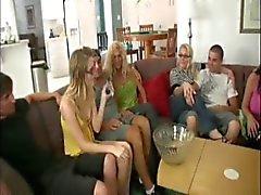 Four Women Watched One MILF Jerk a Husband-daddi