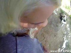 Ein finnisches Mädchen wird von einem schwedischen Buggered