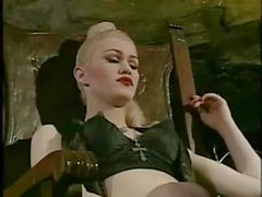 Vintage story from a vampy tranny and her lover girl