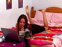 Bimbo ceco di Claudia Rossi eccitato in webcam nel