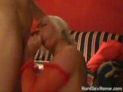 Forte poitrine femme grande mammaire foutre