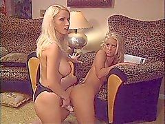 blondes blonds une sangle de Thang