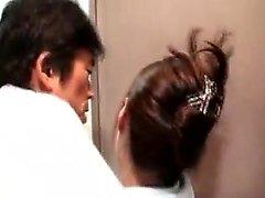 Bodacious japonés nena tiene un apretado coño peludo anhelo de