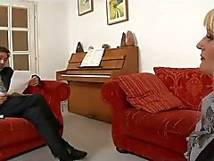 - träffar min SAMMANLAGD UNDERGIVEN HUSTRU - : ukmike till video