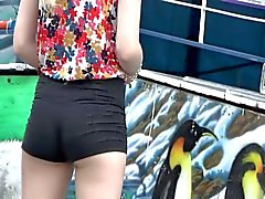 Nice girl with little tight short shorts !