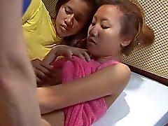Saori & Saya chuveiro, mas não cum como em thaigirltia.com rosto