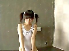 Minami Asaka - Japorno adorable teen bukkane gangbang