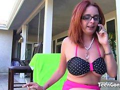 TEENGONZO Slut com óculos Ashley Graham tentando uma gorda BBC