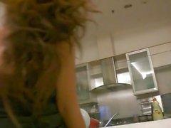 Nahm ein indonesisches Mädchen im Verein und gefickt