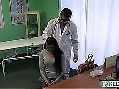 Morena consigue ella médico jodido hospitalaria falsos