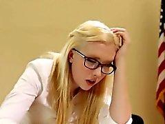Dana Vespoli verhaut ein süßer blonde Schulmädchens Samanthas Rohe