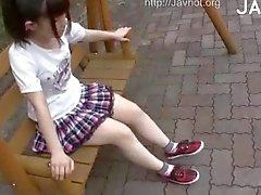 Meisje krijgt Onderzocht Outdoor