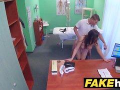 Fake Hastanesi Frisky traşlı kedi Rus babe seviyor doc