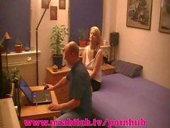 Mia Bitch - PC Notdienst avec FICK bezahlt