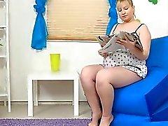 Pregnant Jenny 01 from MyPreggo(dot)com