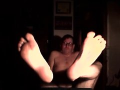 Cock footjob on peitossa