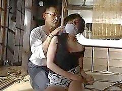 Japonês abandonado depois amarrado e amordaçado