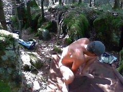 Пение и валяние в лесу