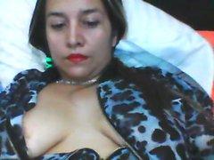 webcam show en solitario con impresionante morena novia