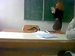 Debajo de la falda profesora